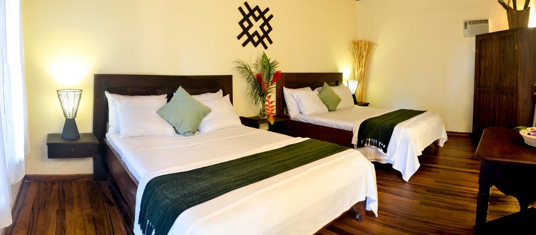 hotels-manuel-antonio-05.jpg